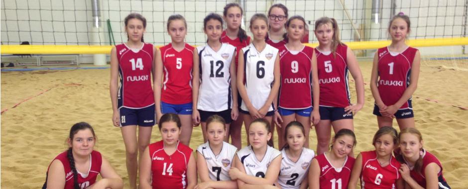 В СДЮСШОР прошел внутришкольный турнир по пляжному волейболу