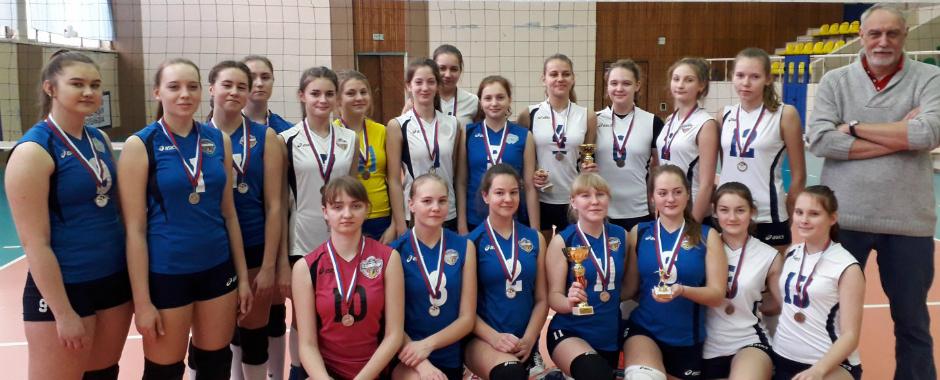 В СДЮСШОР А.Савина прошел волейбольный турнир между командами Москвы, Обнинска и Одинцово